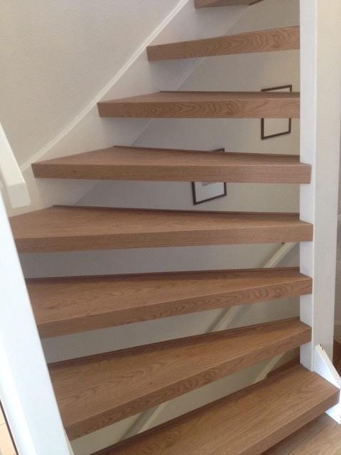 Traprenovatie en trap vernieuwen met PVC, hout, tapijt of traploper    Vloerenplanet